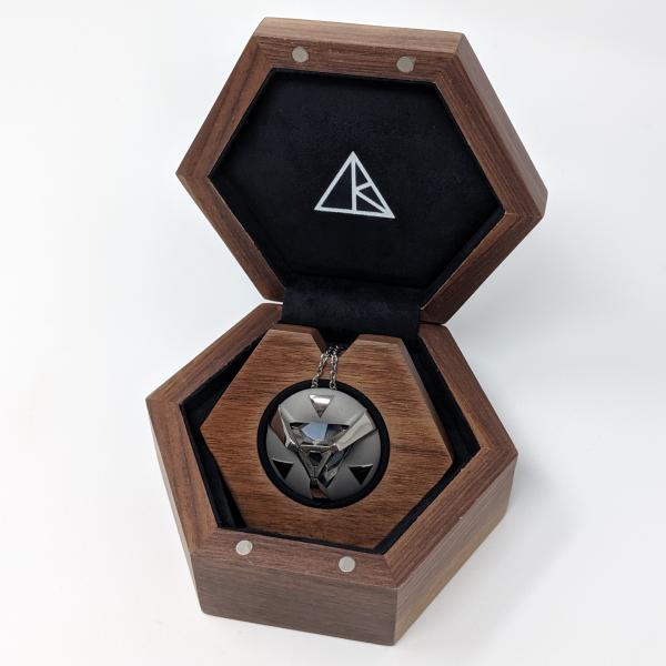 single pendant display box