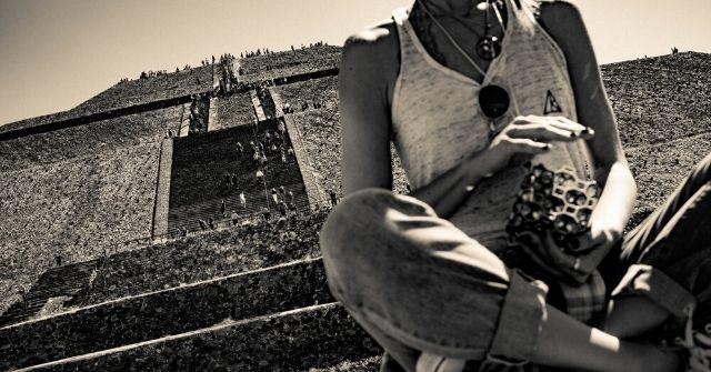 64 ARK mexico pyramid